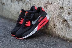 "Nike Air Max 90 Essential ""Atomic Red"""