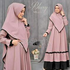 Muslim Women Fashion, Islamic Fashion, Abaya Fashion, Fashion Outfits, Hijab Style Dress, Hijab Fashionista, Muslim Dress, Islamic Clothing, African Print Fashion