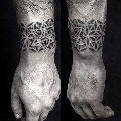 Dotwork geometric cuff