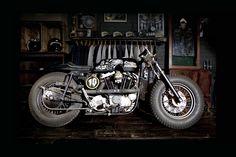 """The Drayton Porkchop"" Harley-Davidson XLH 1000 Sportster Ironhead 1972 by ILoveDust VS Boneshaker"
