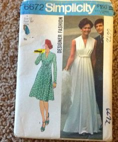 Vintage 1970's Dress With Sleeves - Pattern