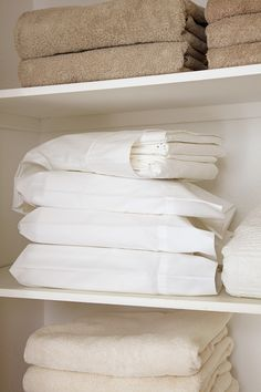 Warning: Your mind might be blown by Peter Walsh's brilliantly simple linen system. Double-click for more tips that will make cleaning easier than ever