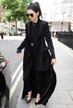 Kendall Jenner comming out of the matrix