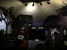 Nevermore : tv room Halloween 2015 my own props Halloween 2015, Darth Vader, Tv, Room, Bedroom, Television Set, Rooms, Rum, Peace