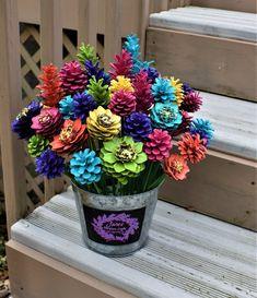 Summer Splash Pinecone Flowers/ One Dozen Pine Cone Flowers - Paper Plate Crafts Pine Cone Art, Pine Cones, Diy Centerpieces, Christmas Centerpieces, Pine Cone Flower Wreath, Pinecone Bouquet, Fall Crafts, Diy Crafts, Paper Crafts