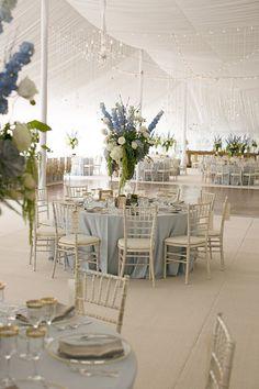 пастельные скатерти, светлые стульчики, высокие композиции, сочетание салатового и голубого во флористике