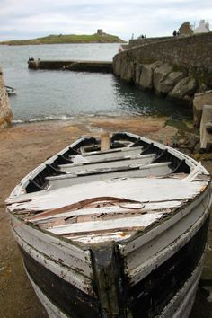 Boat at Colliemore Harbor - Dublin, Ireland - Photo - Amateur Traveler Travel Podcast Boat Drawing, Round Tower, Float Your Boat, Old Boats, Love Boat, Boat Painting, Wooden Boats, Dublin Ireland, Sailing