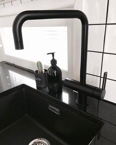 Blanco Metra 6 Silgranit Pearl Grey by Blanco Bathroom Chandelier, Chandelier Lighting Fixtures, Bathroom Wall Sconces, Wall Sconce Lighting, Bathroom Lighting, Bathroom Sinks, Industrial Wall Lights, Bathroom Photos
