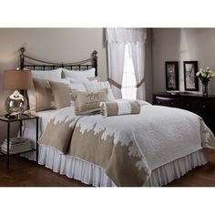 Roslyn Quilt and Separate Bedding Accessories - Overstock™ Shopping - Great Deals on Quilts