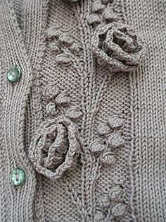 Rambling Rose by Martin Storey rose en tricot Knitting Stiches, Cable Knitting, Knitting Needles, Hand Knitting, Stitch Patterns, Knitting Patterns, Crochet Patterns, Rose Patterns, Knitting Designs
