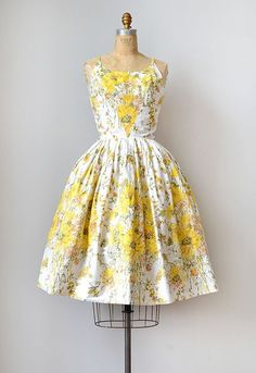 vandavintage:  Vintage Sunflower Dress l 1950s