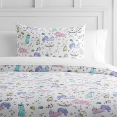 PB Teen Unique Unicorn Flannel Duvet Cover, Twin, Multi ($59) ❤ liked on Polyvore featuring home, bed & bath, bedding, duvet covers, x long twin bedding, twin xl bedding, flannel sham, twin extra long bedding and twin duvet