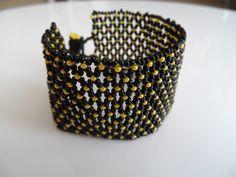 netted bracelet Netted Bracelet, Beading Projects, Napkin Rings, Beads, Bracelets, Decor, Beading, Decoration, Bead