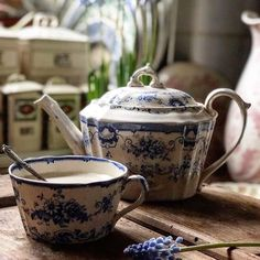 The well used and loved teapot and mating cup- Add a pot of tea to your morning or bedtime routine! Momento Cafe, Muebles Shabby Chic, White Dishes, Blue And White China, My Cup Of Tea, Chocolate Pots, Vintage Tea, High Tea, White Porcelain