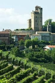 castello di serralunga - list of places to visit by car Alba - via maestra La Morra Barolo map of nice scenic drive
