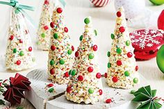 These no-bake white chocolate desserts will delight the entire family this Christmas.