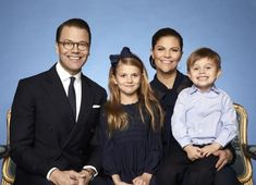 The Swedish Royal Court has released two new photos of the Crown Princess Family of Sweden taken by Anna-Lena Ahlström. One photo features the happy family of four (Crown Princes Victoria, Prince D… Victoria Prince, Princess Victoria Of Sweden, Crown Princess Victoria, Crown Princess Mary, Sarah Ferguson, Victoria Und Daniel, Prinz Carl Philip, Queen Of Sweden, Swedish Royalty