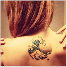 The Great Wave off Kanagawa by Katsushika Hokusai, in tattoo form. By @lindalderigi on Instagram