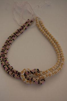 korálkový náhrdelník kumihimo