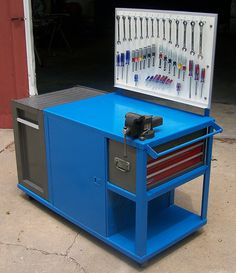 Combination Workbench/Service Cart, by D. Welding Bench, Welding Cart, Welding Shop, Garage Tools, Garage Shop, Diy Garage, Welding Workshop, Garage Workshop, Workshop Bench