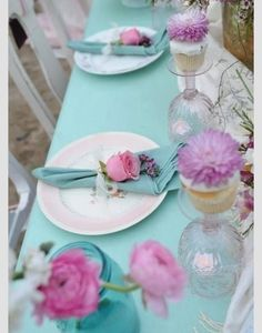 Tiffany Blue and Pink Tablescape. Table Rose, Pink Table, Party Mottos, Decoration Evenementielle, Beautiful Table Settings, Unique Settings, Wedding Decorations, Table Decorations, Decor Wedding