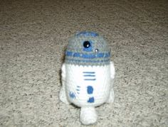 R2D2 (with pattern) - CROCHET