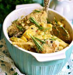 kouneli-anoigma French Food, Greek Recipes, Thai Red Curry, Potato Salad, Chicken Recipes, Recipies, Pork, Menu, Cooking Recipes