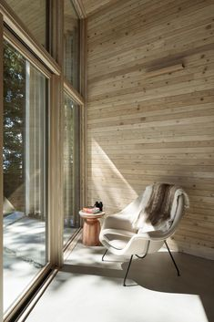 This black cabin retreat was designed by Frits de Vries Architect, nestled on a one-acre waterfront property in Halfmoon Bay, British Columbia, Canada. Cabana, British Columbia, Vancouver, Contemporary Cabin, Interior Architecture, Interior Design, Residential Architecture, Thing 1, Indoor Outdoor Living