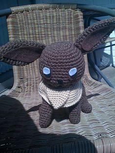 Eevee from Pokémon. Free pattern by Linda Potts. #crochet #pokemon