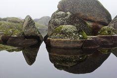Agua que marca, refleja y desgasta. Los Barruecos