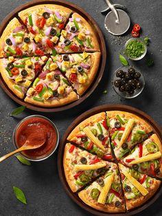 Pizza Hut New Menu New look for Pizza Hut India menus – pizza Pizza Hut, Casa Pizza, Veg Pizza, Pizza Menu Design, Food Menu Design, Indian Food Recipes, Italian Recipes, Vegetarian Recipes, Pizza Facil