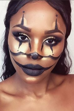Golden Goddess - 17 Scary Good Halloween Makeup Looks Spotted On Instagram