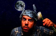 Daniel DeNicola – Γιατί δεν έχεις το δικαίωμα να πιστεύεις ό,τι θέλεις – Αντικλείδι Tin Foil Hat, Craig Roberts, Mainstream Media, Conspiracy Theories, Denial, Introvert, Content Marketing, Facts, Science