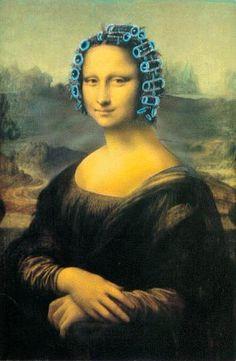 Mona Lisa wants her hair to look perfect Lisa Gherardini, Memes Arte, Arte Hip Hop, La Madone, Mona Lisa Parody, Mona Lisa Smile, American Gothic, Famous Art, Italian Artist