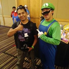 Found a new friend! Be sure to check out my buddy @iquijano_photos for some amazing cosplay pics and shoots #palmspringscomiccon #palmspringsca #cosplay #photography #photographer #picoftheday #pics #photos #photoshoot #buddies #cosplayer #comiccon #cosplayphotography #cosplayphotoshoot #supermario #supermariobros #luigi #luigismansion #nintendo #nintendoswitch #nintendofan #retro #retrogames #retrogaming #games #gaming #gamer