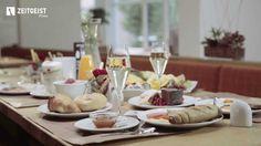Weil das #Frühstück die wichtigste #Mahlzeit ist :-) #Croissant #Video #Kaffee #Sekt #Lachs #Gebäck
