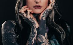 Nowadays, many people do tattoos for fashion. They don't think twice before getting it and regret their decision soon after. Same mistake can be made with tattoo removal. Here's how to choose the right clinic for tattoo removal. Eagle Tattoos, Tattoos Skull, Body Art Tattoos, New Tattoos, Wrist Tattoos, Tatoo Art, Get A Tattoo, Tattoo Shop, Tattoo Ink