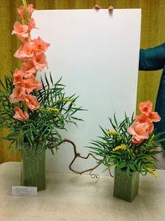 Gladiola stretch design  #flower  arrangement  Garden Club Journal  gardenclubjournal.blogspot.com