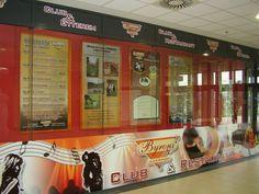 Készítünk teljes portáldekorációkat is. Banner, Restaurant, Club, Night, Banner Stands, Banners, Restaurants, Supper Club, Dining Room