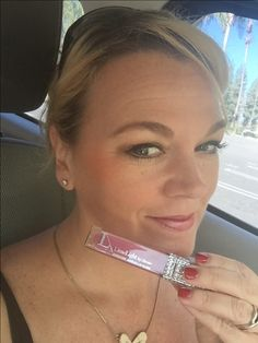 Some days you just need a good lip gloss! Dream Signature Lipgloss!