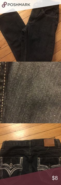 Boys Charcoal Jeans Designs on pockets are a great detail. Looks nice with a v-neck shirt. Good condition. Pet and smoke free home. Bottoms Jeans