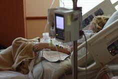 2.500 casos de cáncer sin tratamiento por falta de financiación pública http://www.eldiariohoy.es/2017/09/2.500-casos-de-cancer-sin-tratamiento-por-falta-de-financiacion-publica.html #cancer #salud #sanidad #tratamiento #españa #denuncia #actualidad #noticias