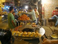"#Bhopal – Charotari Galli. A narrow lane in Ibrahimpura in Bhopal. This is street food in true sense. A food street rich in Bhopali Mughlai flavours. This is the place to savour the famous "" #Kebab bun "".  #Street #Food #India #ekPlate #ekplatekebab"