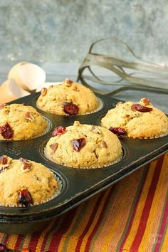 Moist and full of fall flavors, these Dried Cranberry Orange Muffins are full of tart cranberries, zesty orange and toasted pecans. Cranberry Jam, Cranberry Orange Muffins, Cranberry Bread, Cranberry Recipes, Cherry Muffins, Peach Muffins, Dried Cherries, Dried Cranberries, Yummy Things To Bake