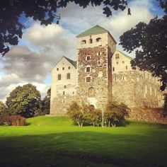 Turku Castle, located in Turku, Finland, is the biggest surviving medieval structure in Scandinavia. The castle has been converted into a museum, but also treats special guests to a banquet hall. As well as a theatrical play of three brothers who lived in this mighty building.