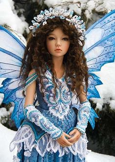 Fairy doll-Love that blue. Winter Fairy outfit by Martha Boers. Beautiful Fairies, Beautiful Dolls, Magical Creatures, Fantasy Creatures, Fairy Clothes, Doll Clothes, Fairies Photos, Winter Fairy, Art Sculpture
