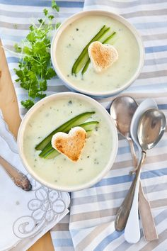 Cream of Vegetable Soup Indian Food Recipes, Vegetarian Recipes, Healthy Recipes, Ethnic Recipes, Vegan Junk Food, A Food, Cream Of Vegetable Soup, Vegan Sushi, Indian Recipes