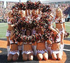 I miss cheering. American Sports, American Football, Bengals Cheerleaders, Paul Brown Stadium, Professional Cheerleaders, Ice Girls, Football Conference, Cincinnati Bengals, National Football League