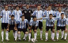 Este es un equipo de fútbol en futbol. Ellos son muy buenos en jugar al fútbol.