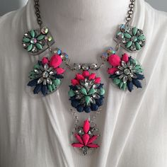 HP FIRM Statement Necklace Price is FIRM! Brand new in package. Beautiful, trendy, and funky. This multi color transparent statement piece is an awesome piece to any gals collection. NO: Holds, Trades, or PP! Thank you! Faith & Sparkle Jewelry Necklaces